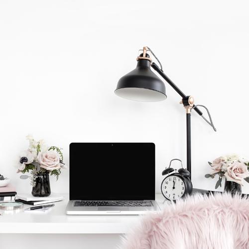 Hjälp att skaffa hemsida till företaget Får jag göra vad jag vill med företagets hemsida?