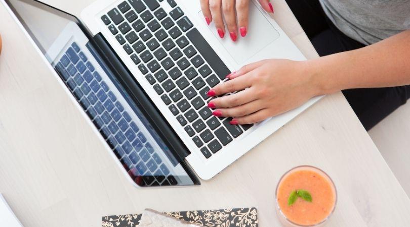 Hur får man bort datumet på ett blogginlägg?